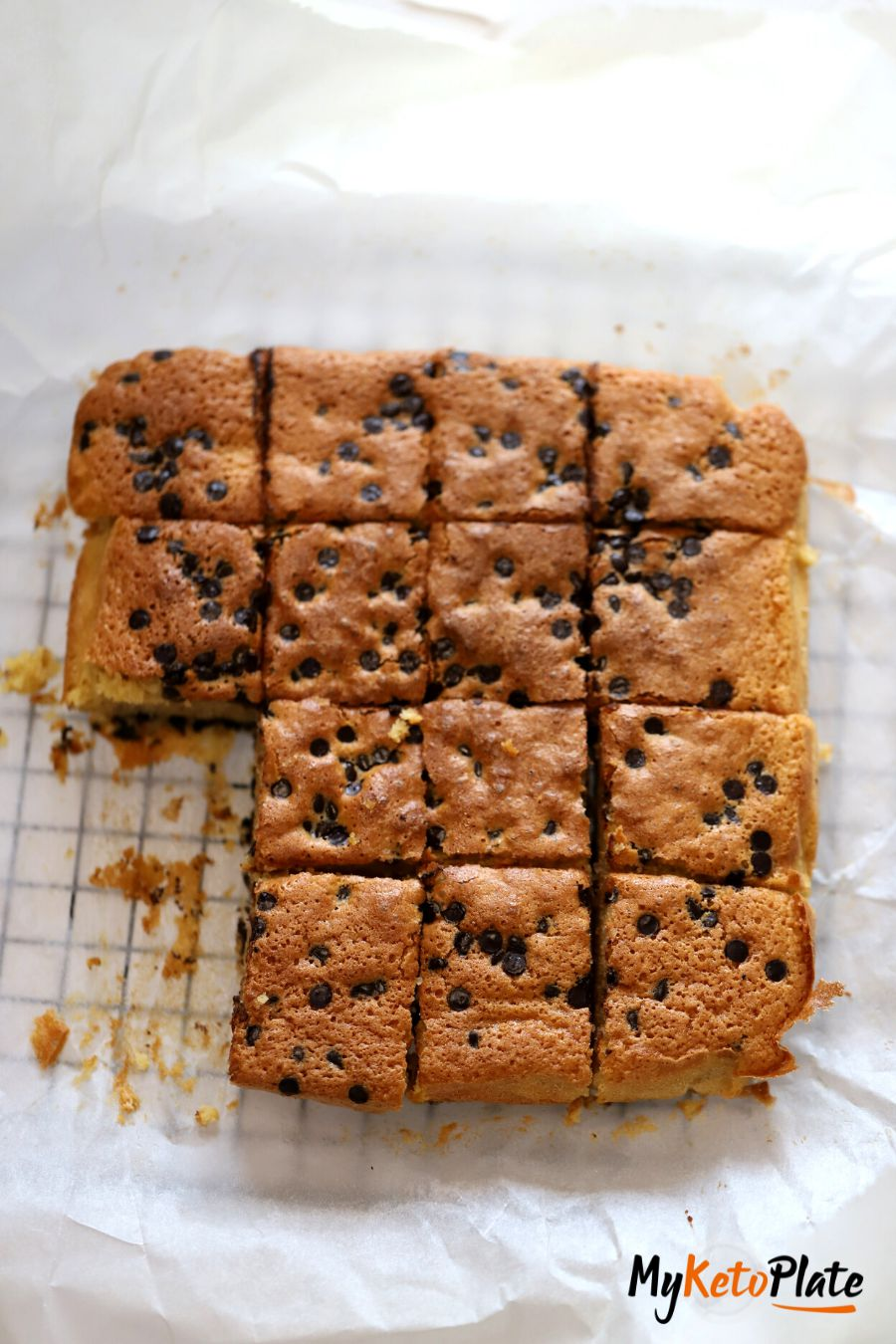baked keto blondies recipe with almond flour and coconut flour